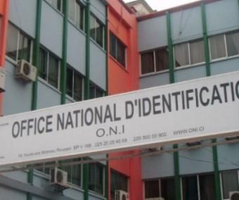 A un mois de l' expiration des CNI, l' Etat dissout l' ONI