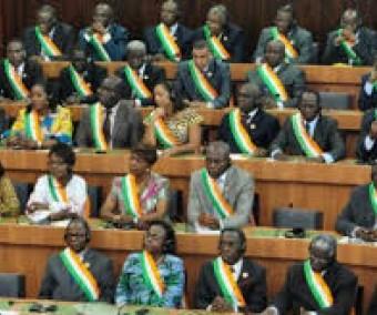 Opposition et pouvoir prennent en otage le Parlement