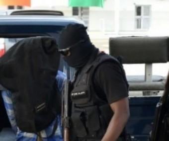 Un femme Commissaire de police arrêtée puis déférée