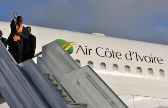 Le président Alassane Ouattara à bord de Air Côte d'Ivoire
