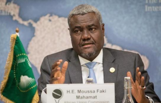 Moussa Faki Mahamat, Président de l'Union africaine, dépêche une mission au Gabon