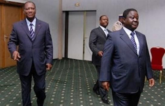 Le Président Alassane Ouattara , Bédié et Soro au sortie d'une réunion