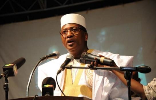 Modibo Sidibé, ancien Premier ministre malien s'adressant lors d'une conférence à Dakar