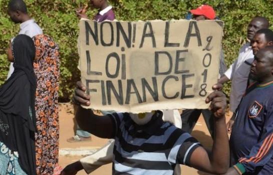 Des manifestants contre la loi de finances arrêtés par la police au Niger