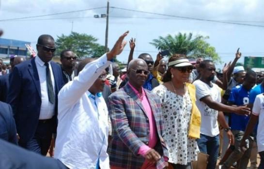 Des partis d'opposition demandent à leurs représentants de se retirer — CEI