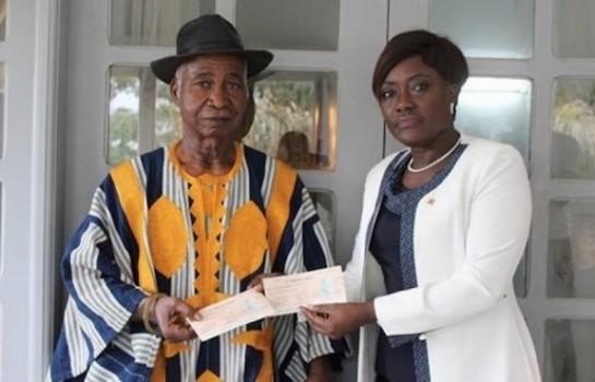 La ministre mariatou Koné indemnise les victimes de guerre à Daloa et Toulepleu