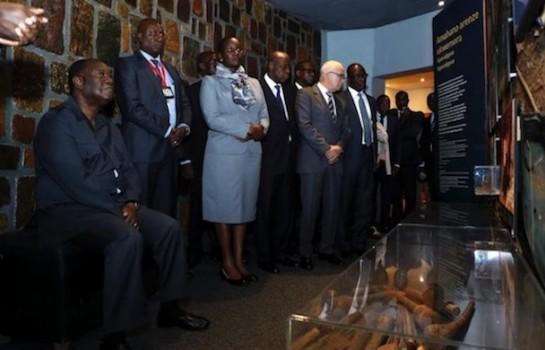 Alassane Ouattara dans le Mémorial du génocide rwandais