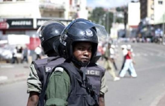 Des agents de police à Madagascar
