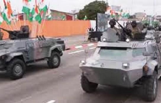 Des véhicules blindés Cayman de l'armée ivoirienne