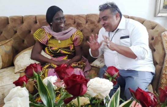 Sam l'Africain cadeaute Simone Gbagbo