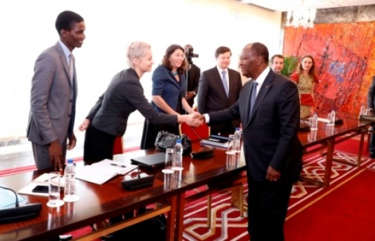 Alassane Ouattara et la délégation du FMI conduite par Céline Allard