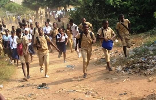 L'école ivoirienne est dans la tourmente. Manifestation des élèves suite à un mouvement de grève