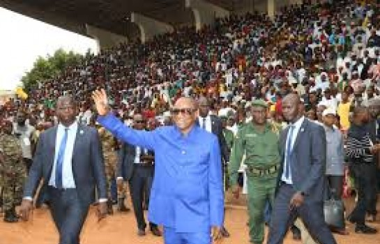 Alpha Condé en meeting à Labé, le fief de Dalein Diallo