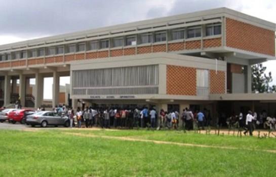 Les examens onr repris à l'université de Coocdy