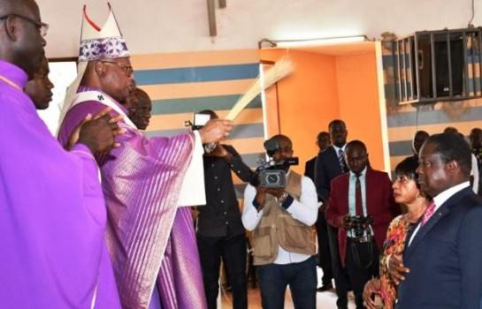 Henri Konan Bédié à la messe à Daoukro