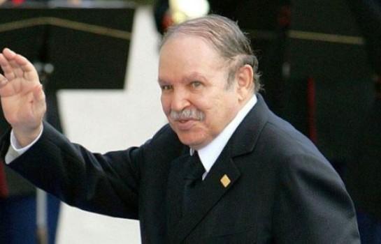 Abdelaziz Bouteflika rénonce à un 5e mandat