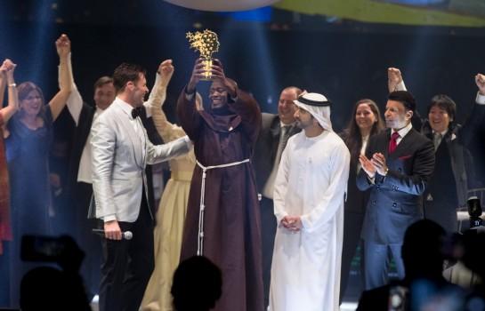 L'enseignant Kenyan Peter  Tabichi remporte la 5e édition du Global Teacher Prize doté de 1 million USD à Dubaï le dimanche 24 Mars 2019