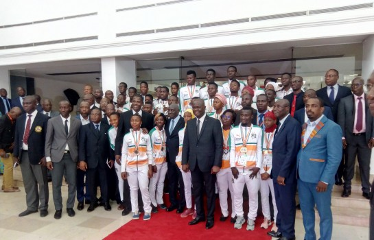 Amadou Soumahoro et les champions d'Afrique