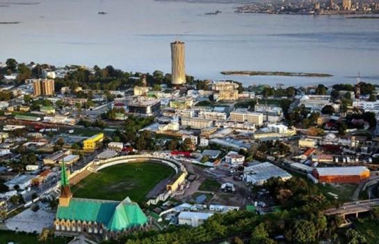 Brazzaville, de l'autre côté Kinshasa