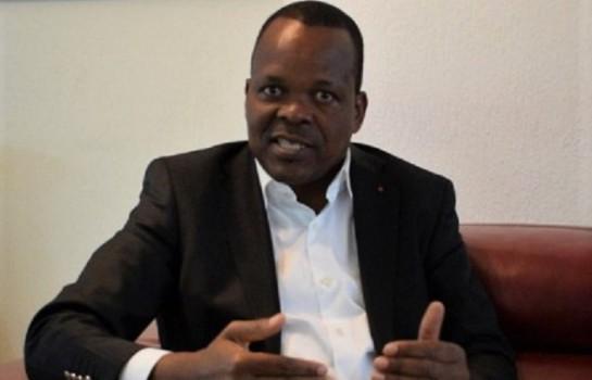 Alain Lobognon cogne Adjoumani Kouassi