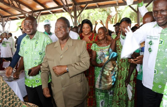57c89b0a8 Côte d Ivoire   Bédié reçoit de gros soutiens après le départ d Ahoussou