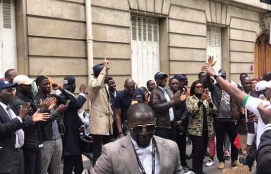 Des partisans de Soro ont manifesté hier à Paris
