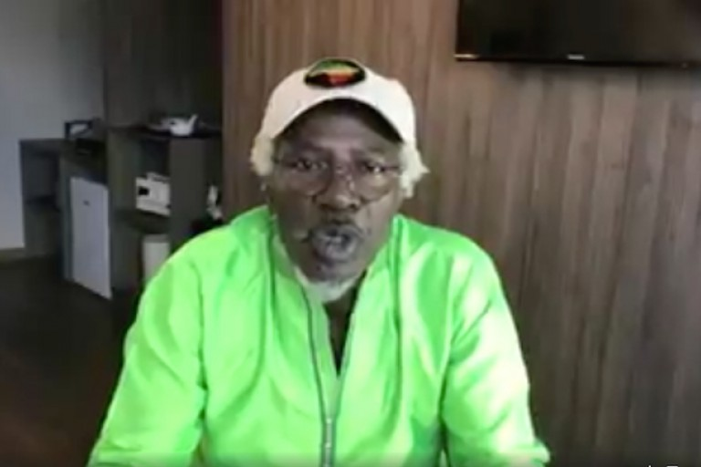 Alpha Blondy propose d'armer les migrants
