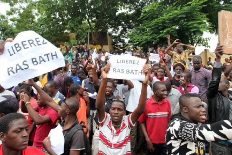 rassemblement pour Ras Bath