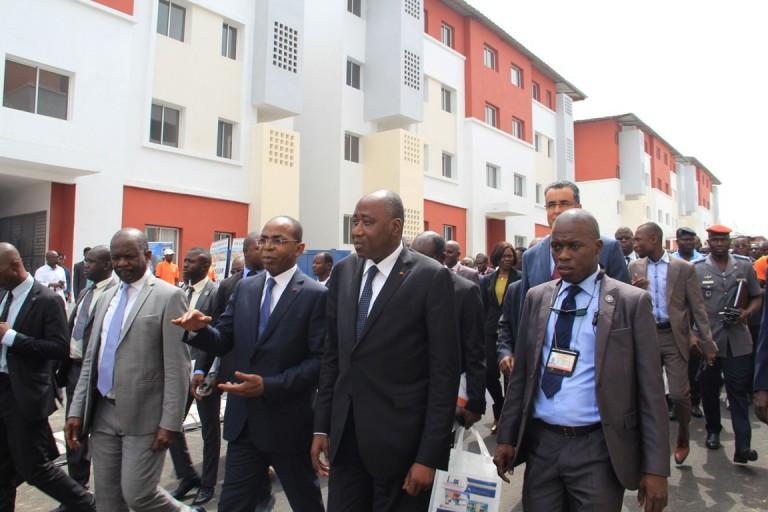 Amadou Gon Coulibaly remet les clés de 4003 logements