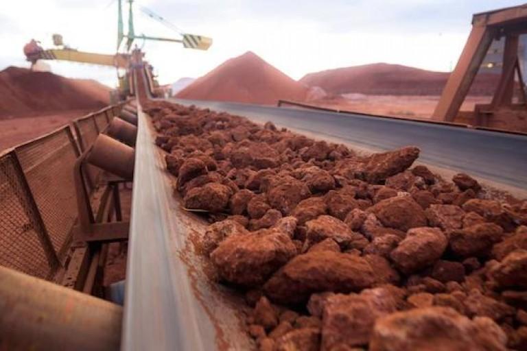 La bauxite extraite dans une mine en Guinée Conakry