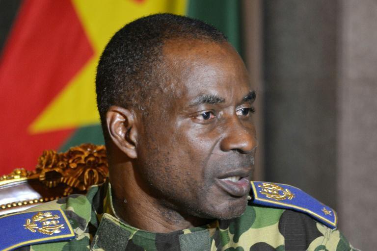 L'ancien chef d'état-major Gilbert Diendéré face à la presse