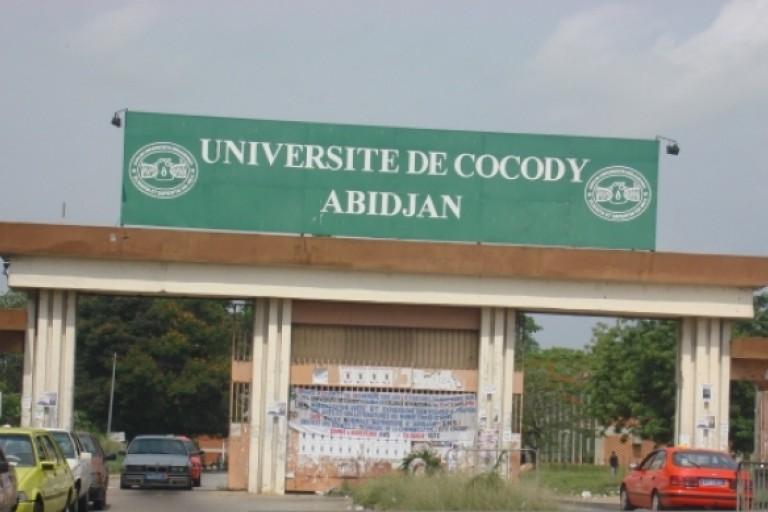 Les enseignants de cocody en grève