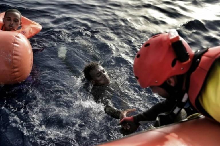 Des migrants détournent le navire marchand qui les a sauvés au large de la Libye