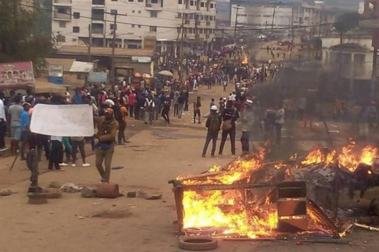 plusieurs bourgades incendiées au cameroun