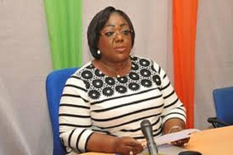 Anne Désirée Ouloto annonce la reprise des construction des sept centres