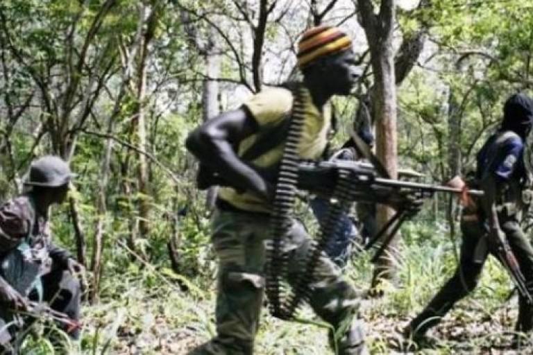 Des sécessionnistes attaquent le convoi d'un ministre