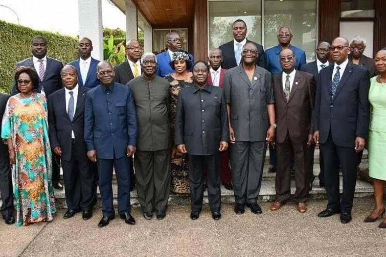 Henri Konan Bédié et des cadres du PDCI