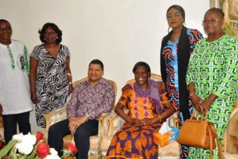 Simone Gbagbo recevant Jean-Louis Billon et des émissaires du PDCI