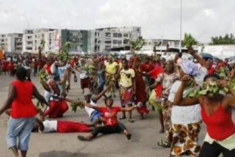 Des femmes manifestent à Grand-Bassam pour Ezaley Georges Philippe
