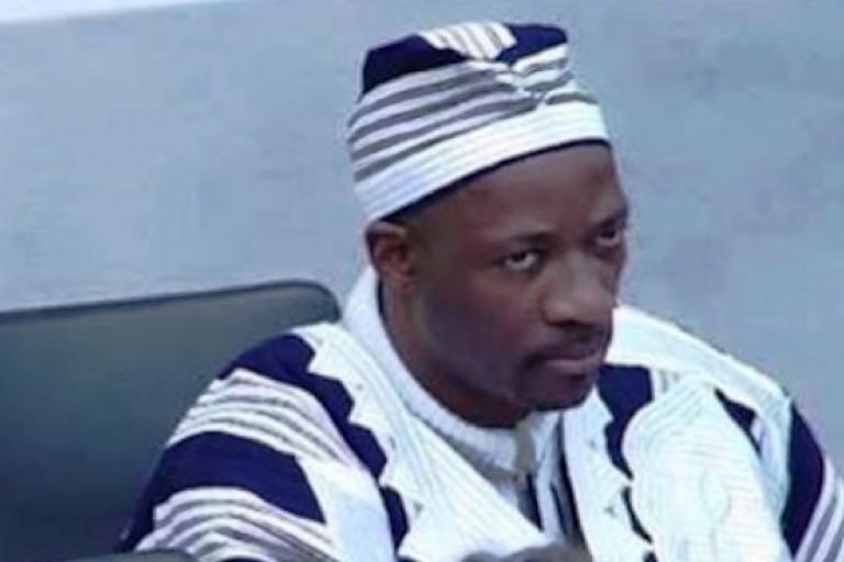 Charles Blé Goudé revêt ses tenue de sage africain