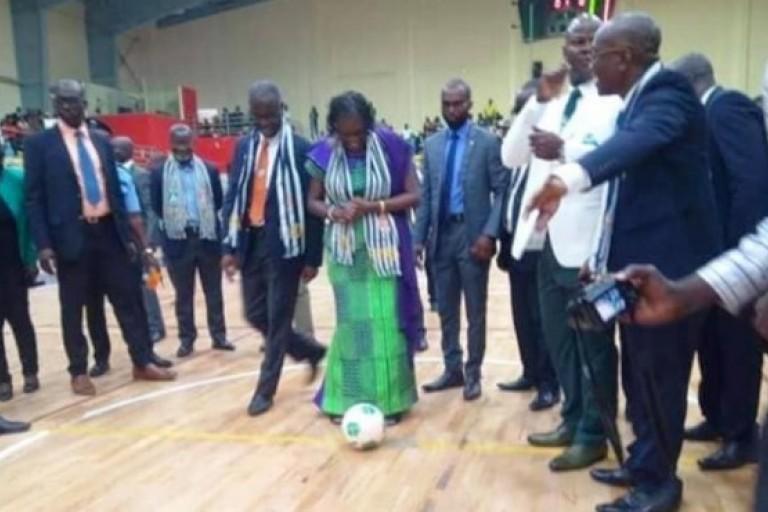 Simone Gbagbo donne le coup d'envoi de la Maracan'2018