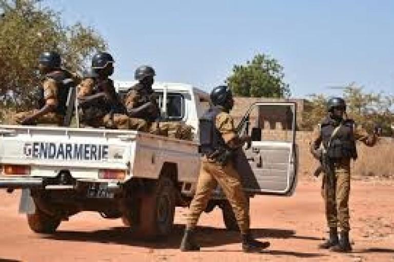 un gendarme tué par des terroristes