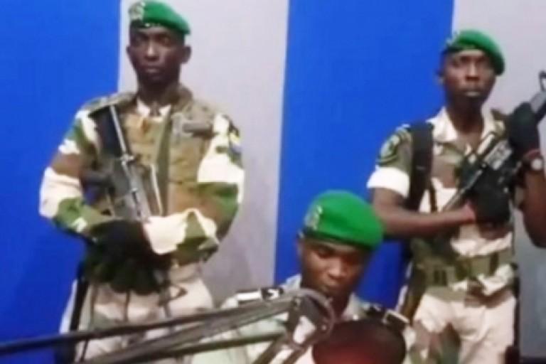 Le pouvoir d'Ali Bongo menacé par des militaires