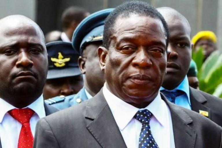 Emmerson Mnangagwa rentre précipitamment au Zimbabwe