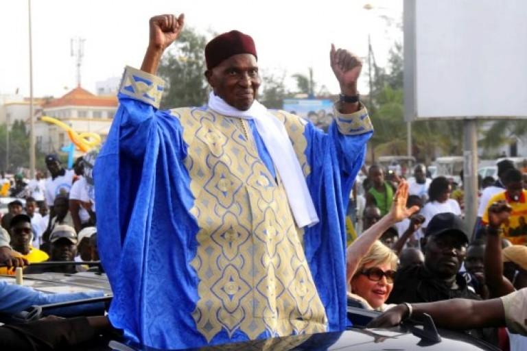 Abdoulaye Wade, de retour à Dakar, lance le boycott de la présidentielle