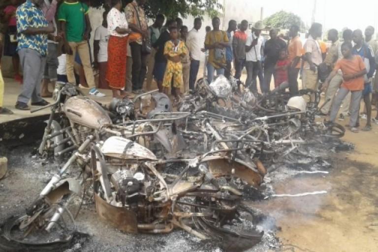 Des mots d'enseignants grévistes brûles à Bouaké