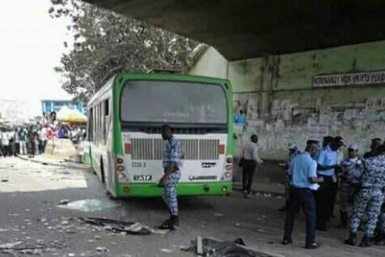 Un bus de la Sotra fait des victimes