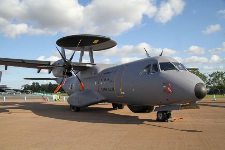 L' armée ivoirienne a un CASA C-295, le gouvernement ivoirien a ses priorités