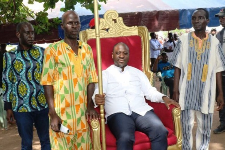 Guillaume Soro dans le village d'Ally Coulibaly