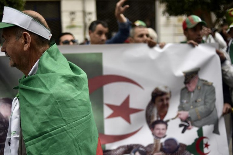 Abdelaziz Bouteflika et ''ses proches''sont indésirables en Algérie